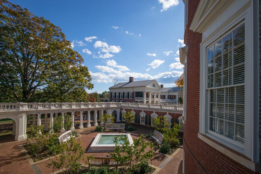 UVA rotunda courtyard